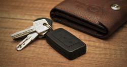 Kulcstartóba rejtett mini hangrögzítő készülék