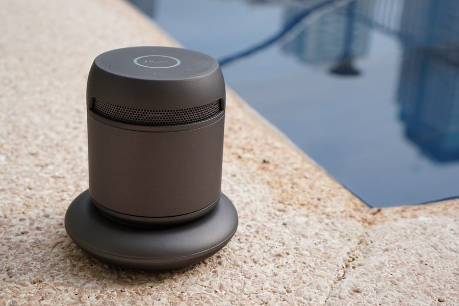 Doss-Asimom-3-Smart-Bluetooth-Speaker-by-the-pool